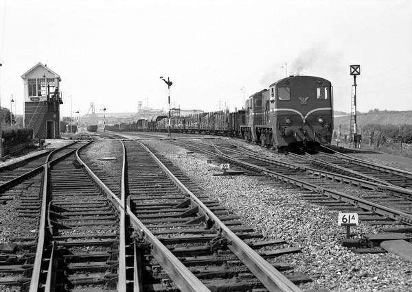 2 x een 2200 en post I op het emplacement Haanrade - 23-06-1966 - foto J.G.C van de Meene